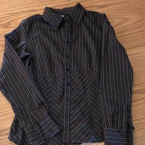Small Apt 9 stretch button down blouse